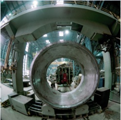 Facility for treatment of large-sized reactor parts